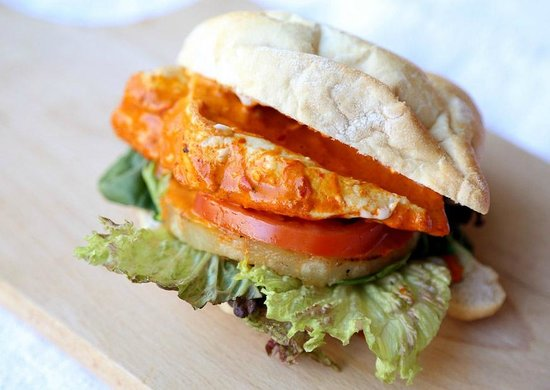 Chiquen: Juicy Burgers