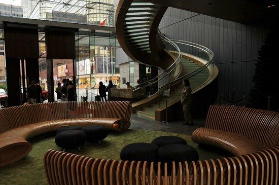 Hotel ICON :                   Lobby