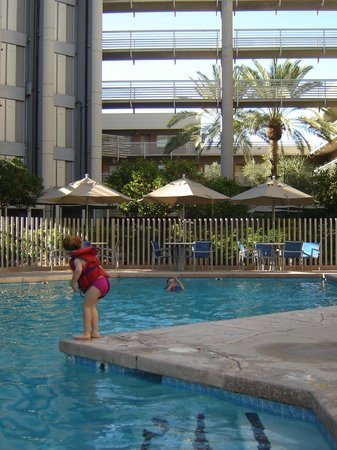 DoubleTree Suites by Hilton Hotel Phoenix:                   Pool