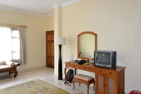 โรงแรมปูริ แบมบู:                   Chambre
