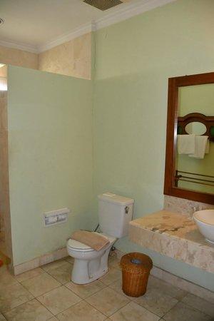 โรงแรมปูริ แบมบู:                   SDB