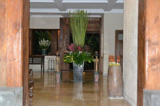 Hotel Puri Bambu:                   Hall