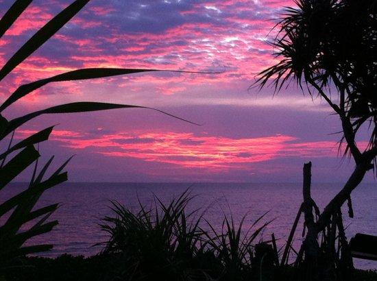 Lanta Nice Beach Resort:                   utrolig smuk solnedgang.