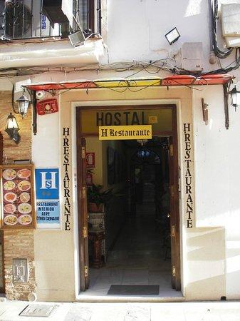 Hostal Virgen del Rocio:                   Entré till Hostal