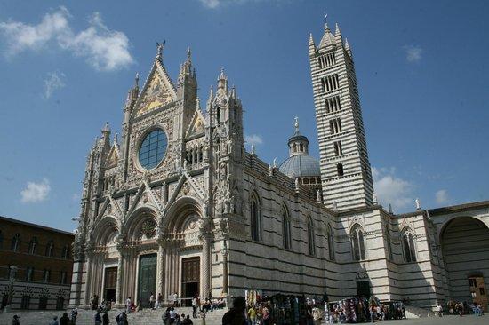 Wandering Around Tuscany : Il Duomo - Siena