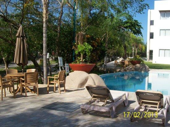 Wyndham Garden Playa Del Carmen:                   area de piscina