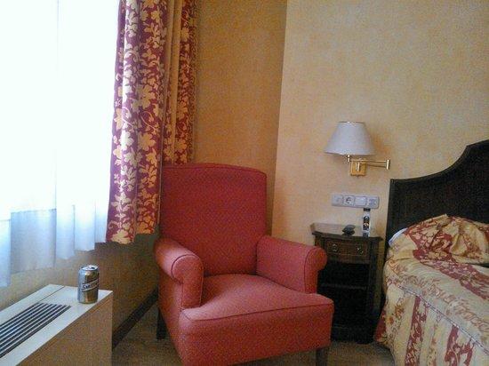 Hotel Cordon:                                     Our room was No.203