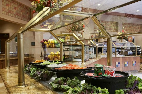 Embassy Suites by Hilton Nashville South/Cool Springs: Extensive Hot and Cold Breakfast Buffet