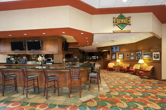 Embassy Suites by Hilton Nashville South/Cool Springs: Athletic Club Lounge