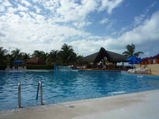 Presidente InterContinental Cancun Resort:                                     Piscina
