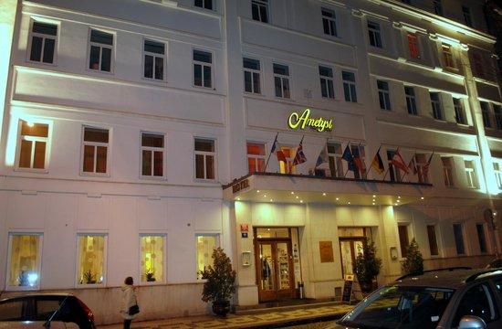 Hotel Ametyst Prague:                                                       Ametyst