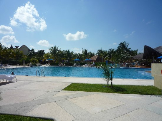 Presidente InterContinental Cancun Resort:                                     Piscina
