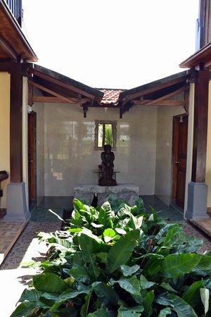 Atres Villa Homestay:                   Lavabo des 2 bungalows
