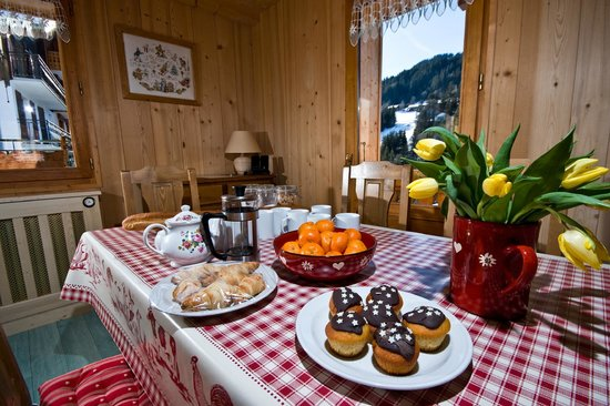 Riders Refuge - Chalet Emile : Afternoon Tea