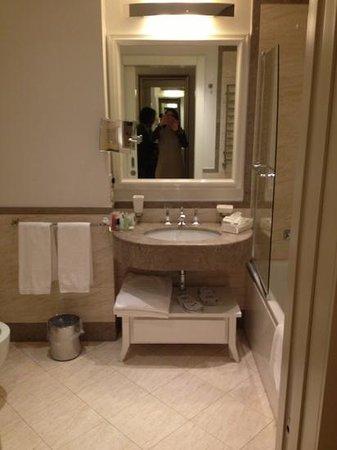 UNA Maison Milano:                   bagno