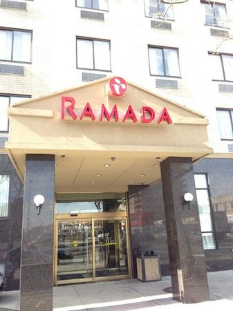Ramada Jamaica/Queens:                   front of hotel