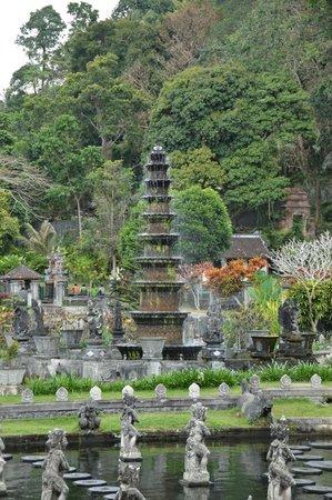 Tirta Gangga:                   Water palace