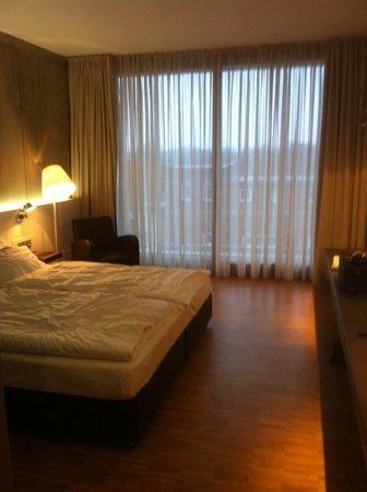 Factory Hotel:                   Suite - Schlafbereich