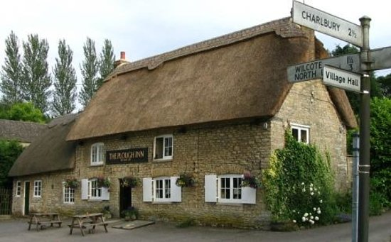 Chipping Norton, UK : The Plough Inn, Finstock