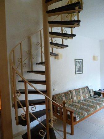 Bungalows Barranco: escalier acces chambre