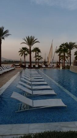 Hilton Luxor Resort & Spa:                   Swimming pool