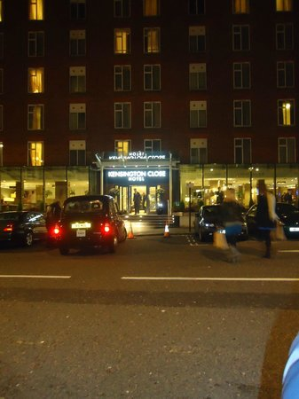 Holiday Inn London - Kensington:                   Entrata