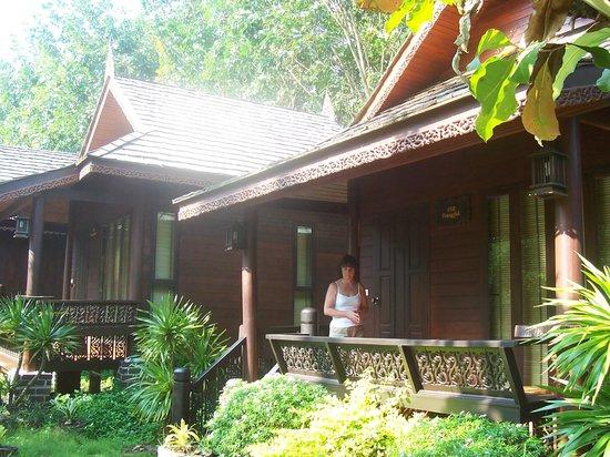 Baan Habeebee Resort:                   Our bungalow - no. 8