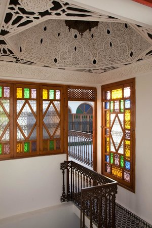 Riad Yamina : Detailed Moroccan Stained Glass