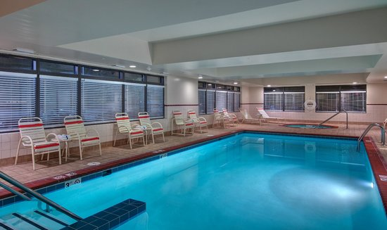 Hampton Inn Newport News-Yorktown: Indoor Pool