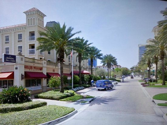 Hampton Inn and Suites St. Petersburg Downtown :                   A nice St Pete day