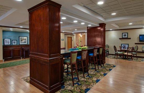 Hampton Inn Newport News-Yorktown: Lobby
