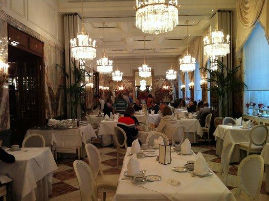 Hotel Sacher Wien:                   salón desayunos