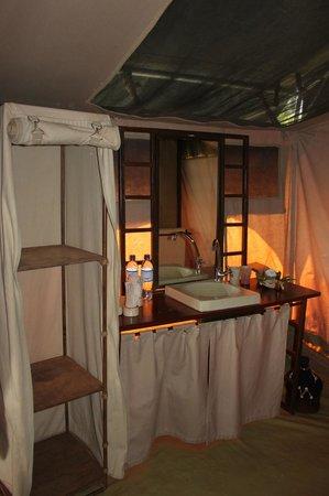 Kilima Camp:                   la salle de bains