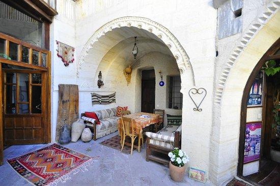 Kismet Cave House:                   Гостиная