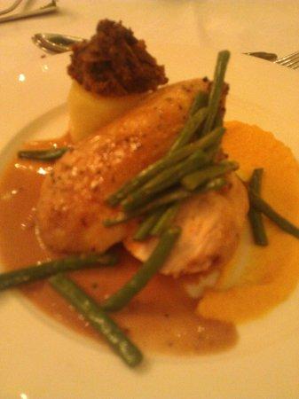 Crieff Hydro Hotel and Resort:                   Chicken main - Meikle