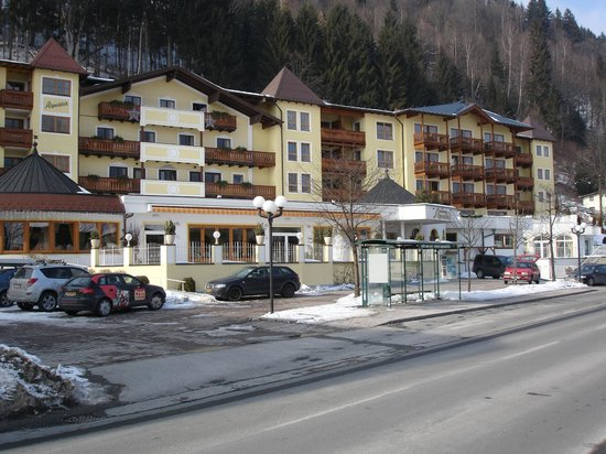 Hotel Alpenblick:                   street v