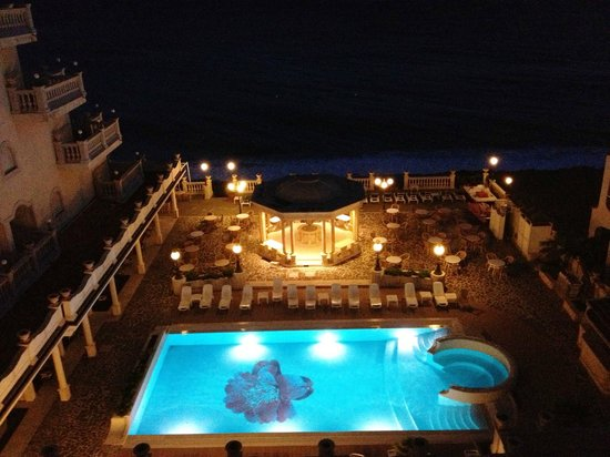 Hellenia Yachting Hotel:                   View at night