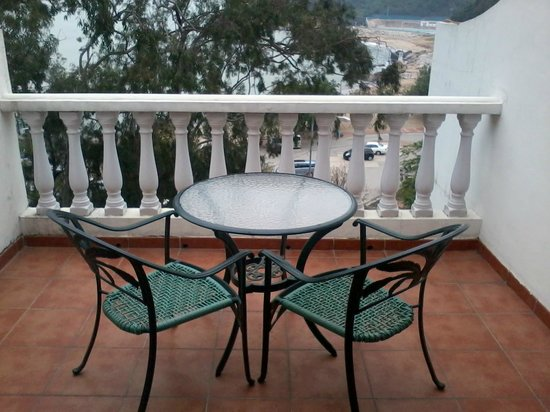 Pousada de Coloane Beach Hotel & Restaurant:                   Relaxing balcony