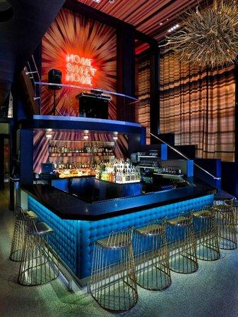renaissance san diego downtown hotel living room bar dj booth