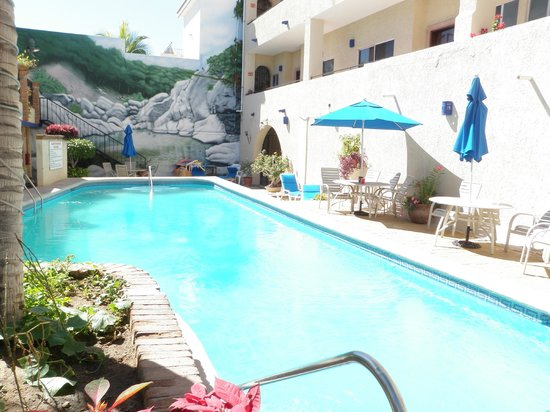 Las Gaviotas Resort:                                     Pool area