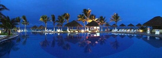 Paradisus Cancun: Pool at Night