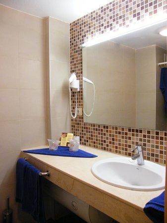 Hotel  Dunas Club:                   łazienka