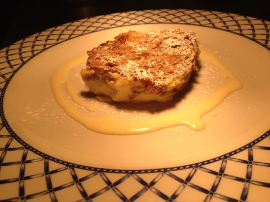 SA3 Bistro: Warm Bara Brith Bread and Butter Pudding with Baileys