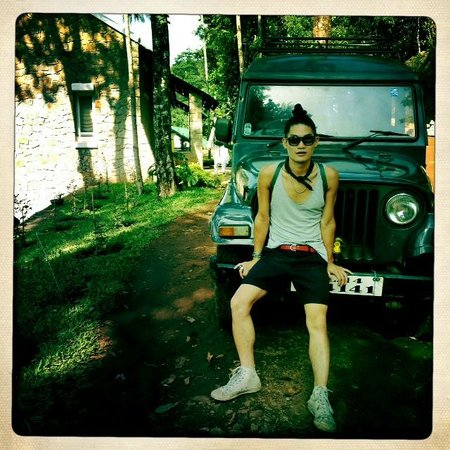 Kaivalyam Retreat:                                     the awesome vintage jeep they drive you around in