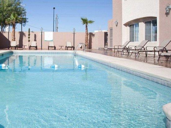 lq hotel by la quinta cd juarez near us consulate. Black Bedroom Furniture Sets. Home Design Ideas