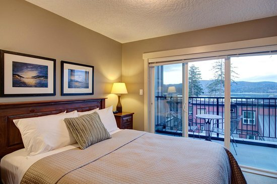 Sooke Harbour Resort and Marina: Bedroom 1