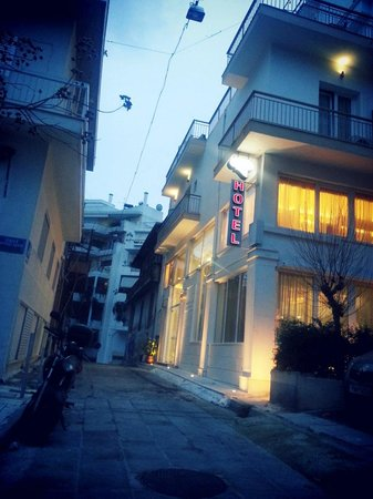 Acropolis Ami Boutique Hotel:                   outside