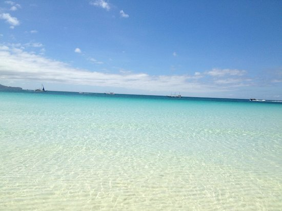 Pearl of the Pacific Boracay Resort & Spa:                   water clearer than bath water