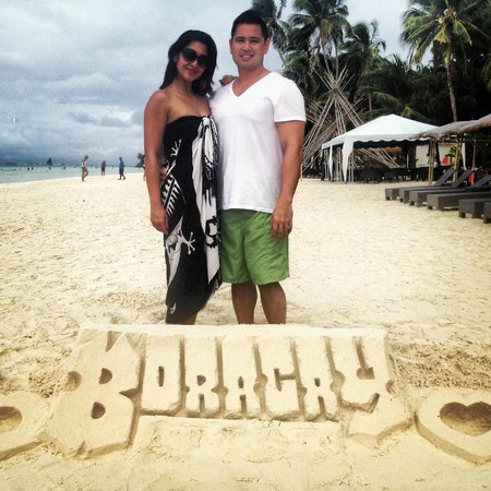 Pearl of the Pacific Boracay Resort & Spa:                   fun sand sculptures along the beach..make sure you tip the little boys who so