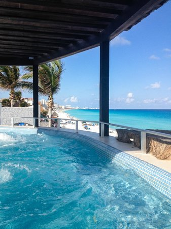 GR Caribe by Solaris:                                     Hot tub and ocean